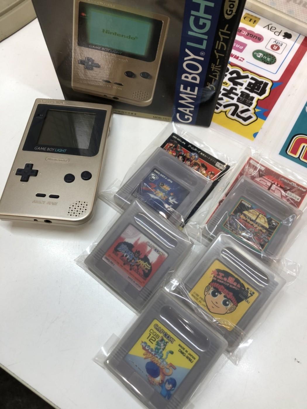 買取情報『任天堂のゲームボーイライト ゴールド』レトロゲーム